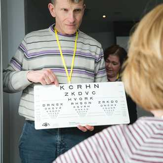 Low vision specialists share expertise and advice image